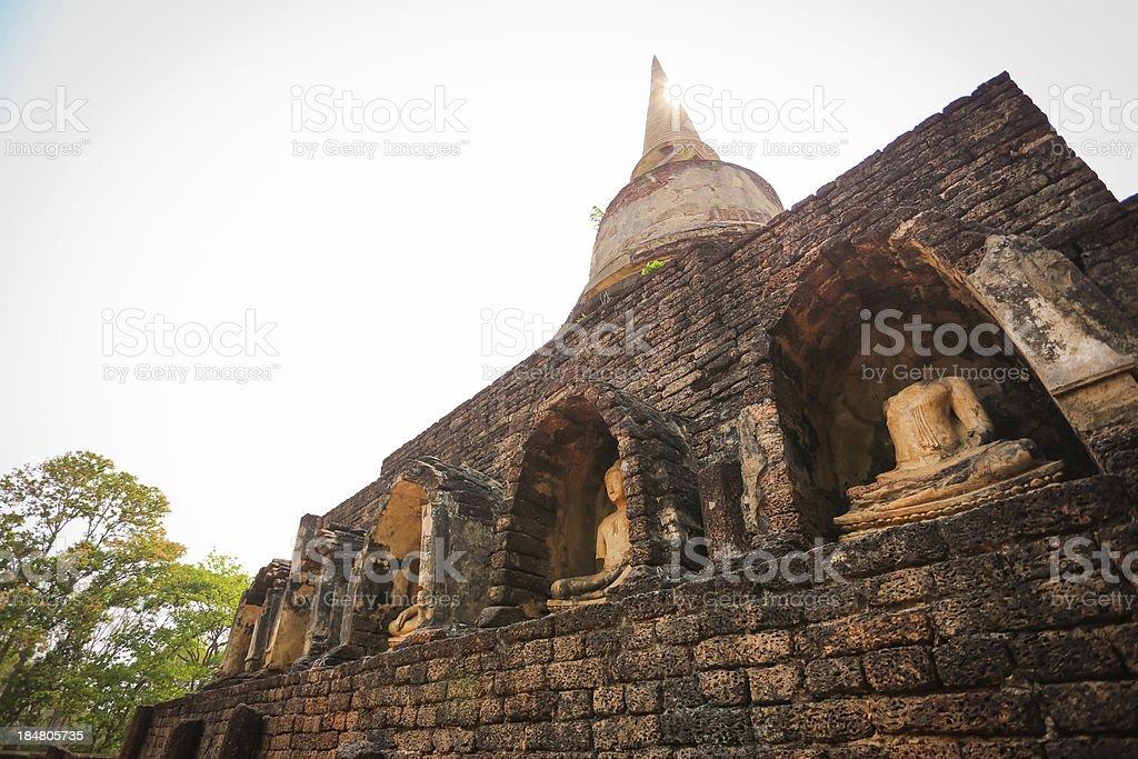 Wat Chang Lom, Suklothai, en Thaïlande photo libre de droits