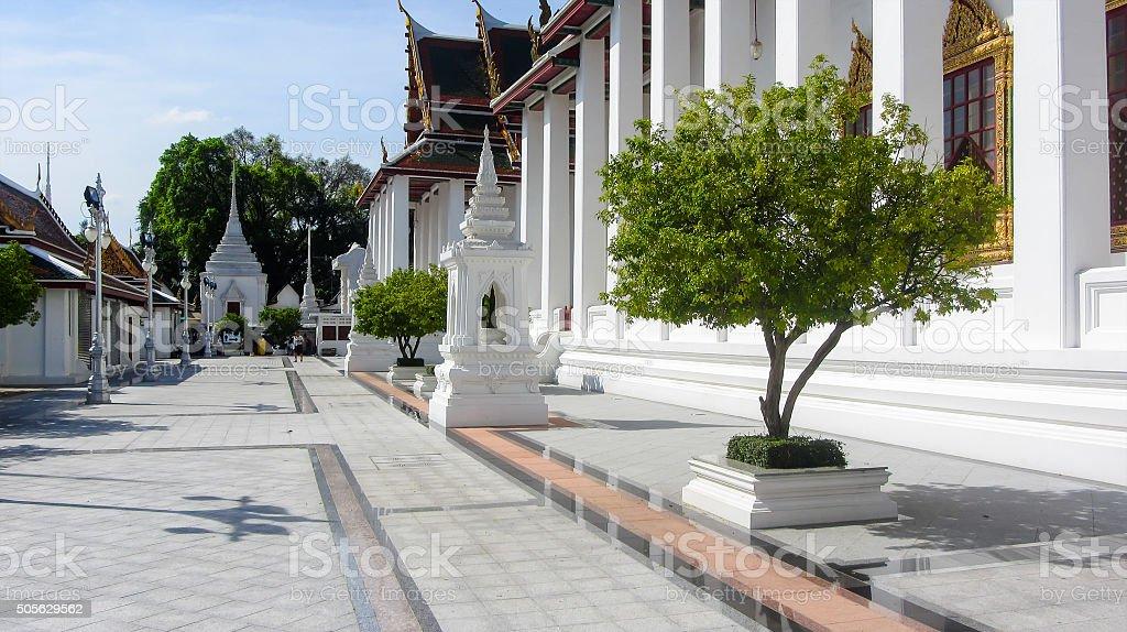 Templo Wat Ratchanaddaram em Banguecoque foto de stock royalty-free