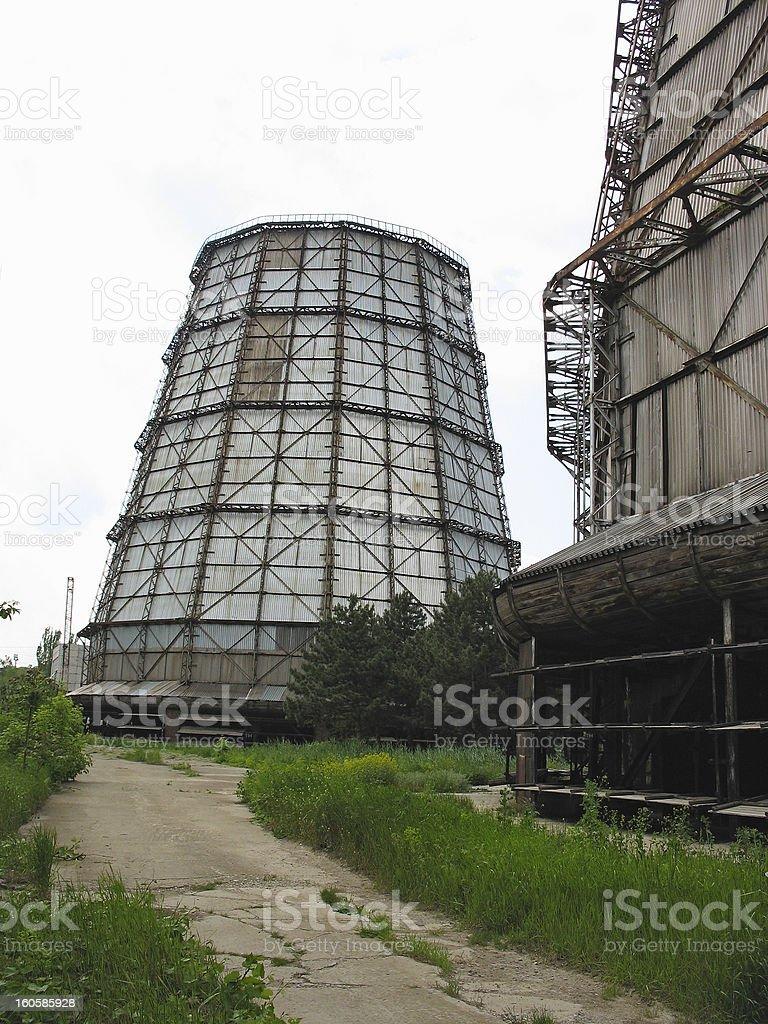 Água torre de refrigeração de central elétrica a foto de stock royalty-free