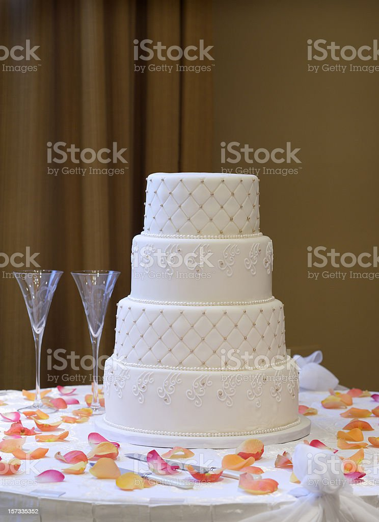 Wedding cake and Champagne glasses stock photo