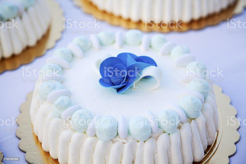 Wedding cake with roses royalty-free stock photo