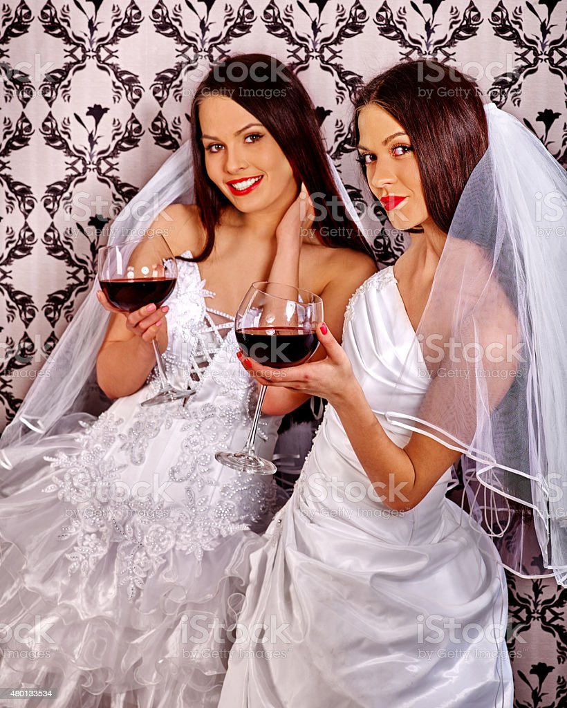 Фото лесбиянок в свадебных платьях