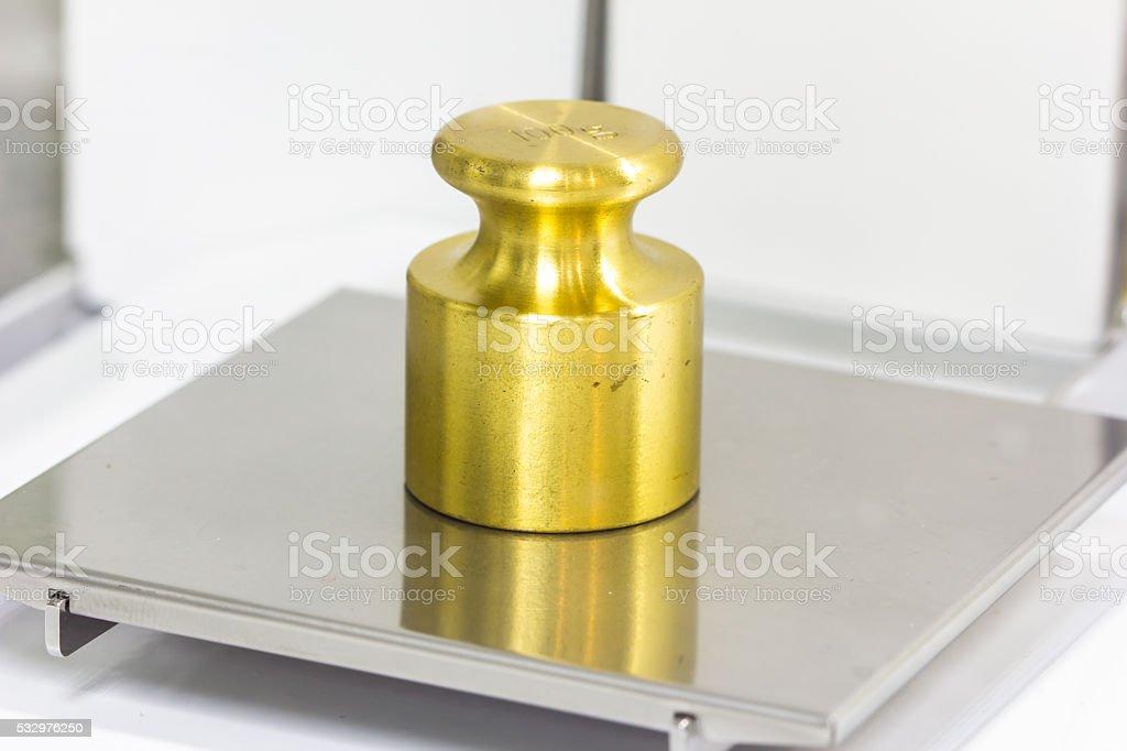 weight on the electronic balance stock photo