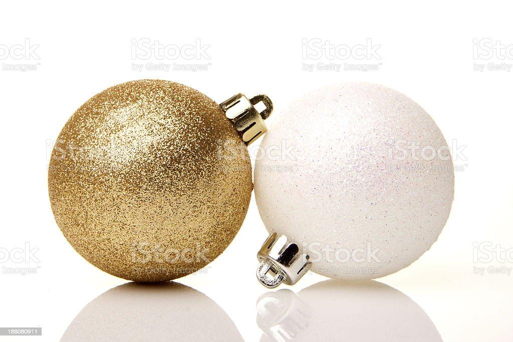 Weihnachten, Weihnachtskugeln gold und wei? royalty-free stock photo