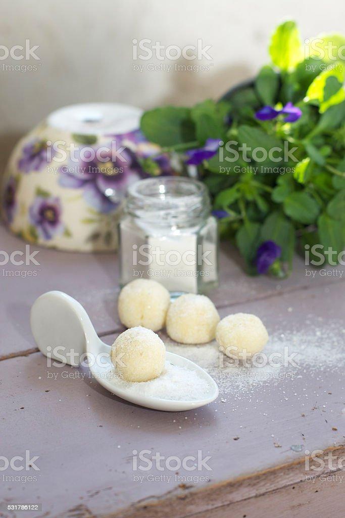 Weisse Schokoladentrüffel stock photo
