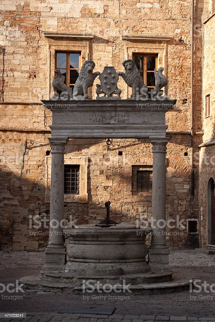 Well on Piazza Grande in Montepulciano, Tuscany stock photo