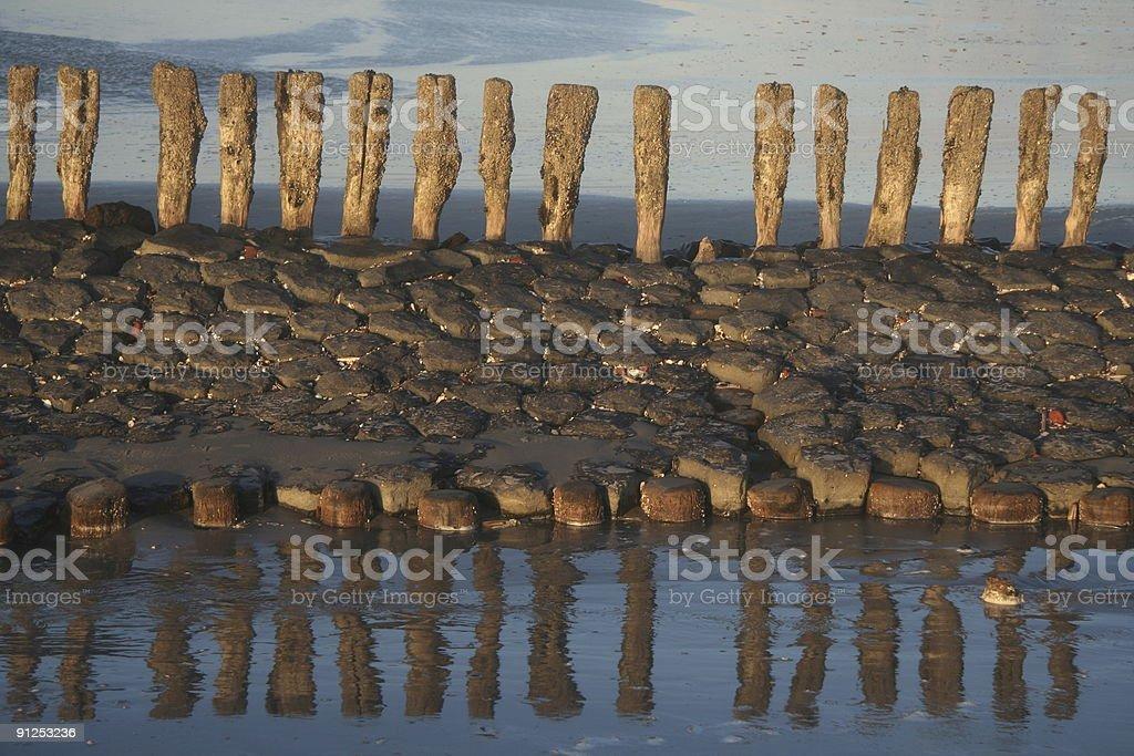 Wellenbrecher Spiegelung stock photo