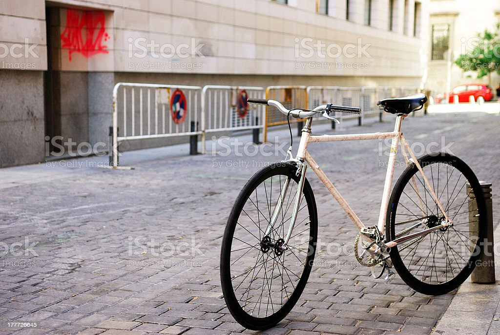 White and red urban fixed gear bicycle stock photo