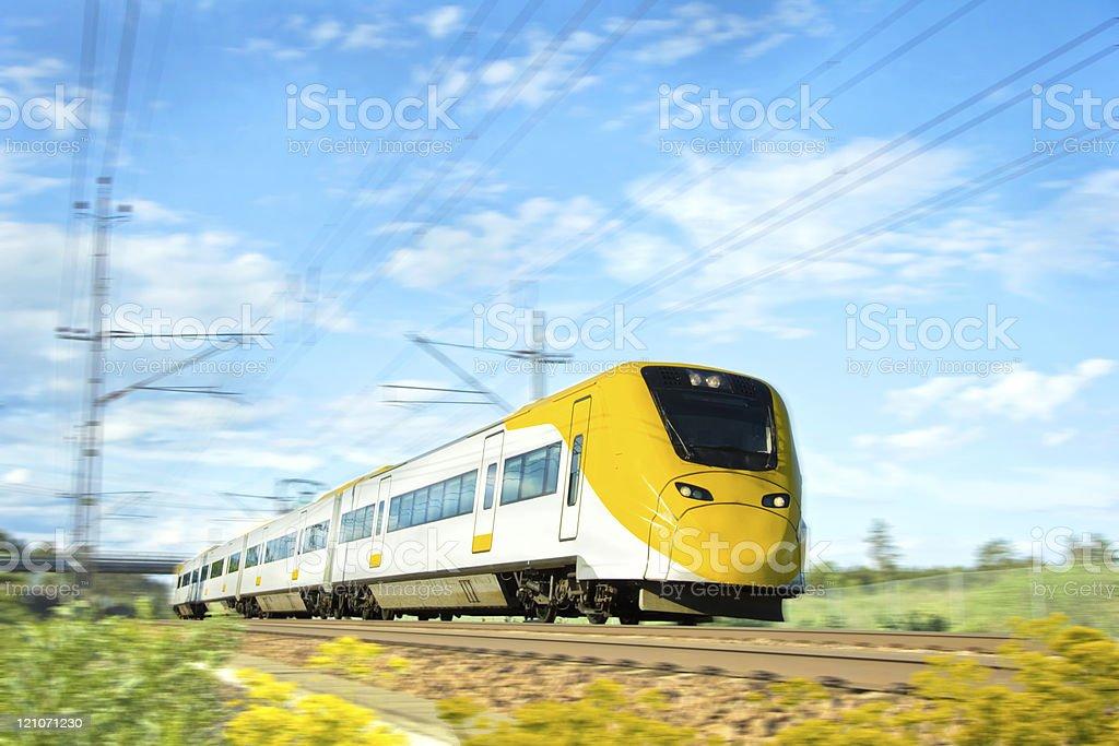 Blanc et de jaune en train. photo libre de droits