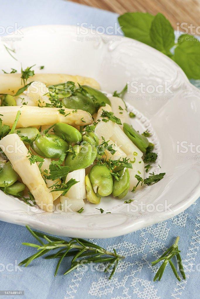 Salada de aspargos brancos foto royalty-free