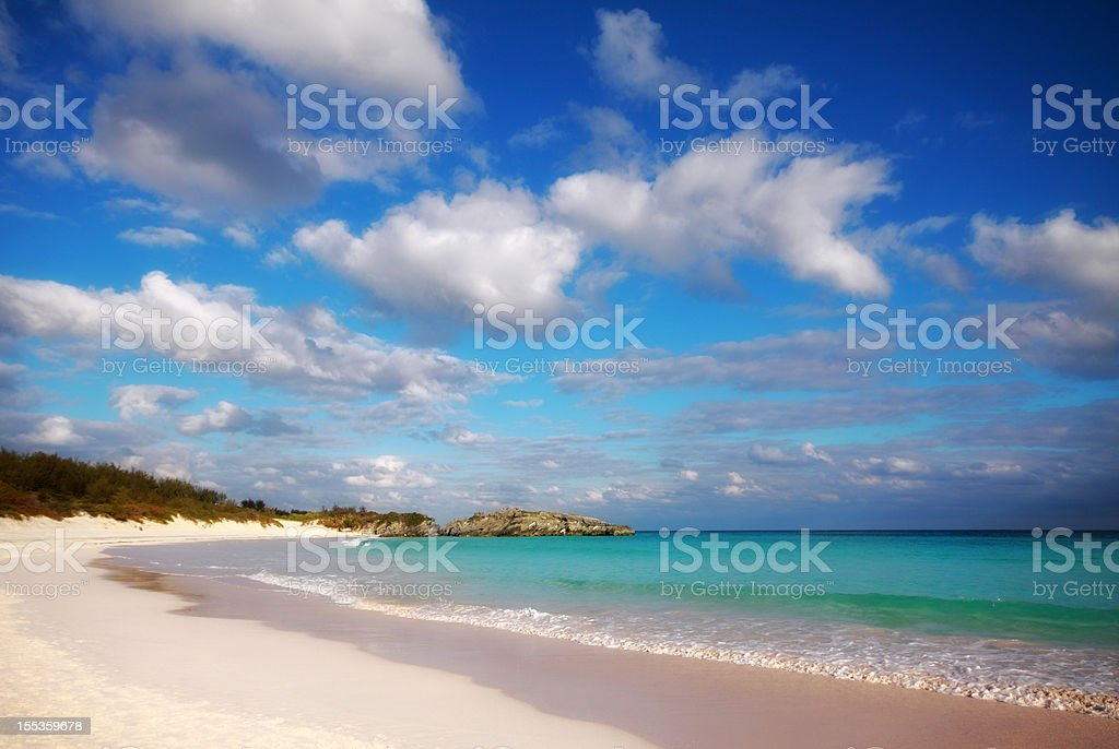 White beach and turquoise waters of Bermuda's Horseshoe Bay stock photo
