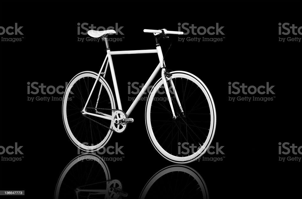 ホワイトの自転車 ロイヤリティフリーストックフォト