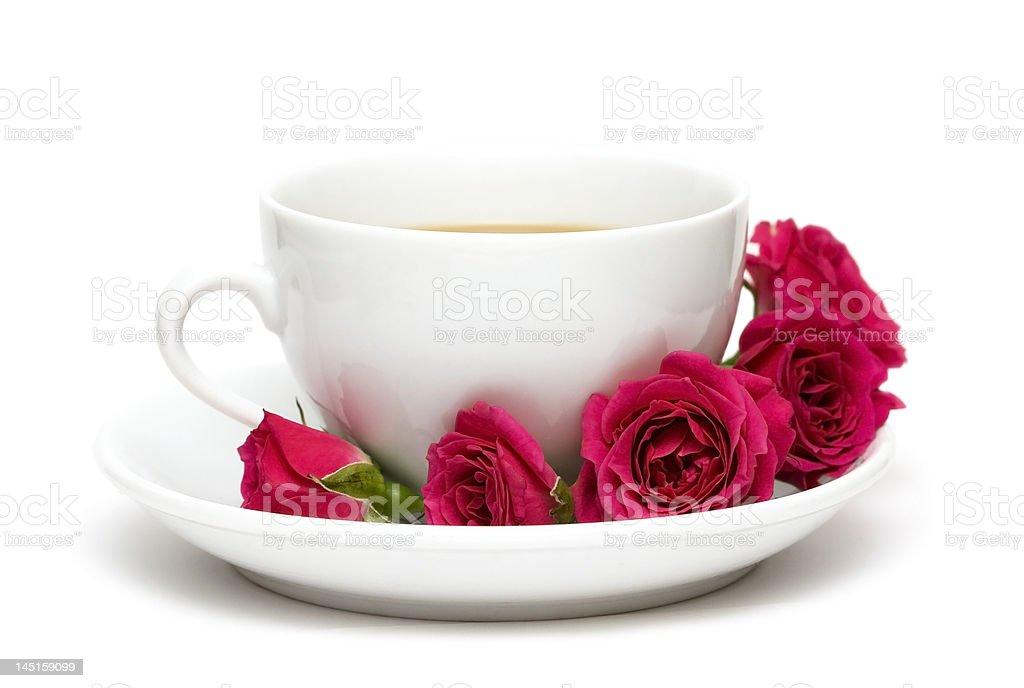 Branca Xícara de café com red roses (expressão inglesa foto de stock royalty-free