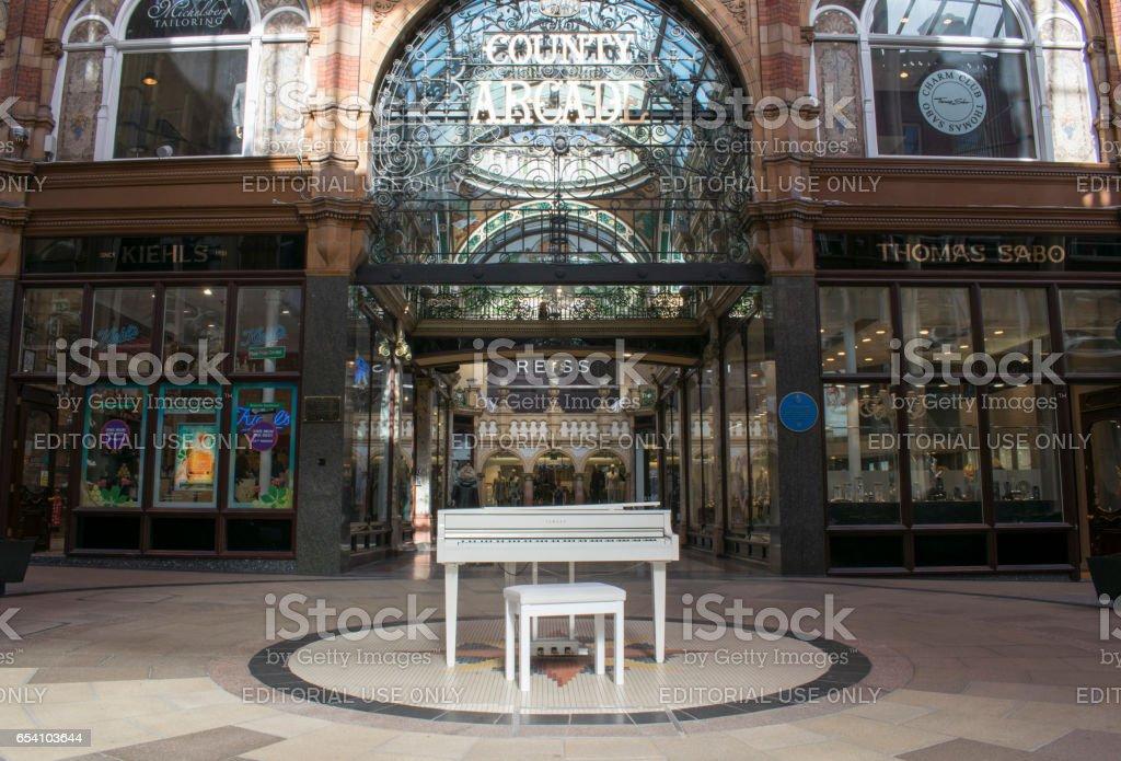 White Yamaha Baby Grand Piano, Victoria Quarter Shopping Centre, Leeds stock photo