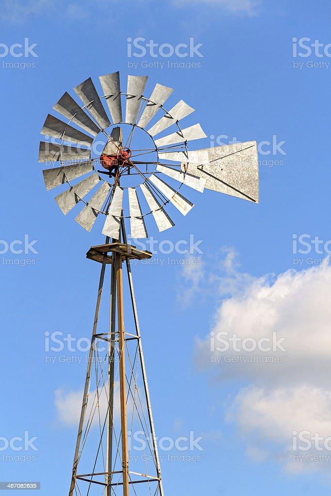 Mulino a vento e cielo foto stock royalty-free