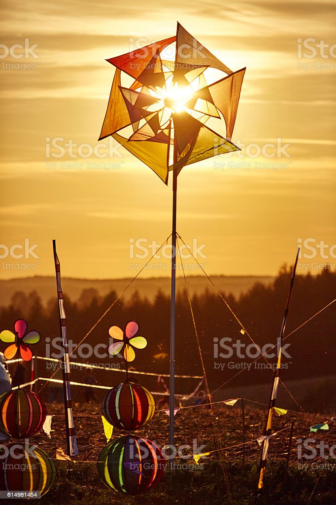 Windrad im Gegenlicht stock photo