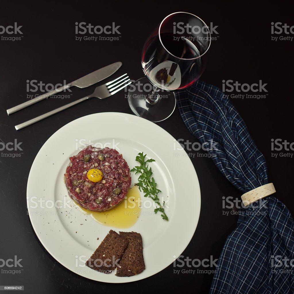 wine with beef tartare stock photo