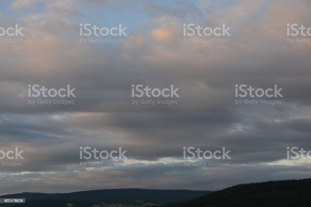Wolken am frühen Morgen stock photo