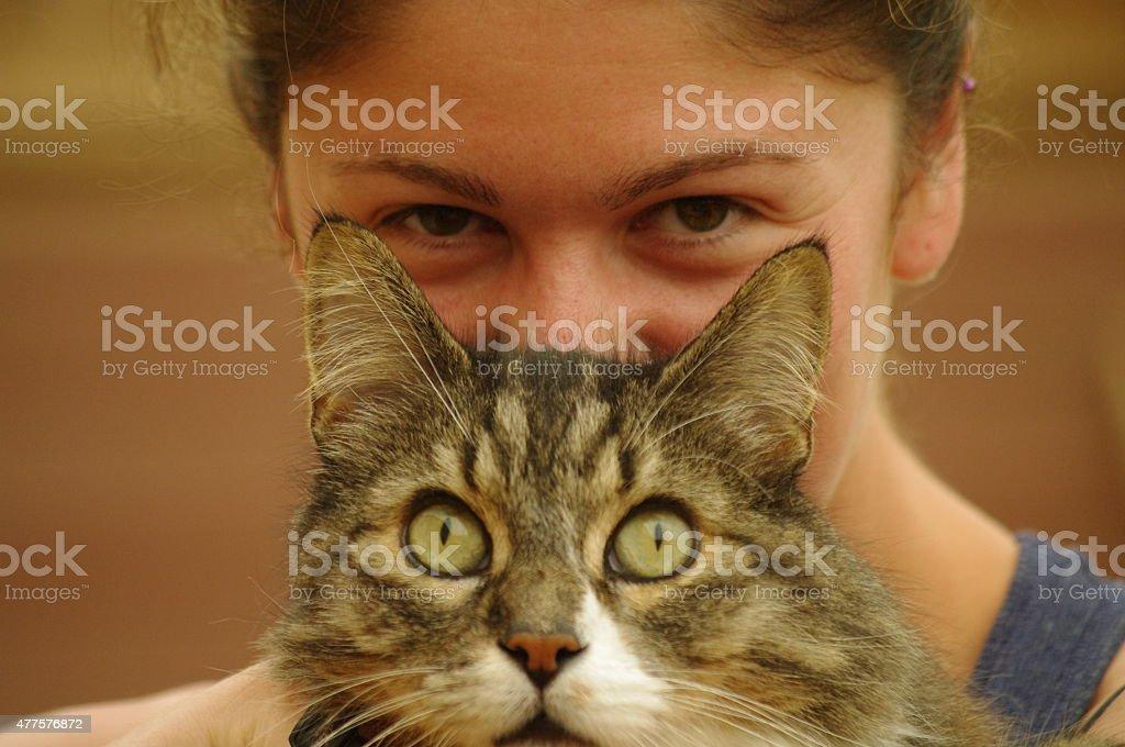Mujer y gato foto de stock libre de derechos