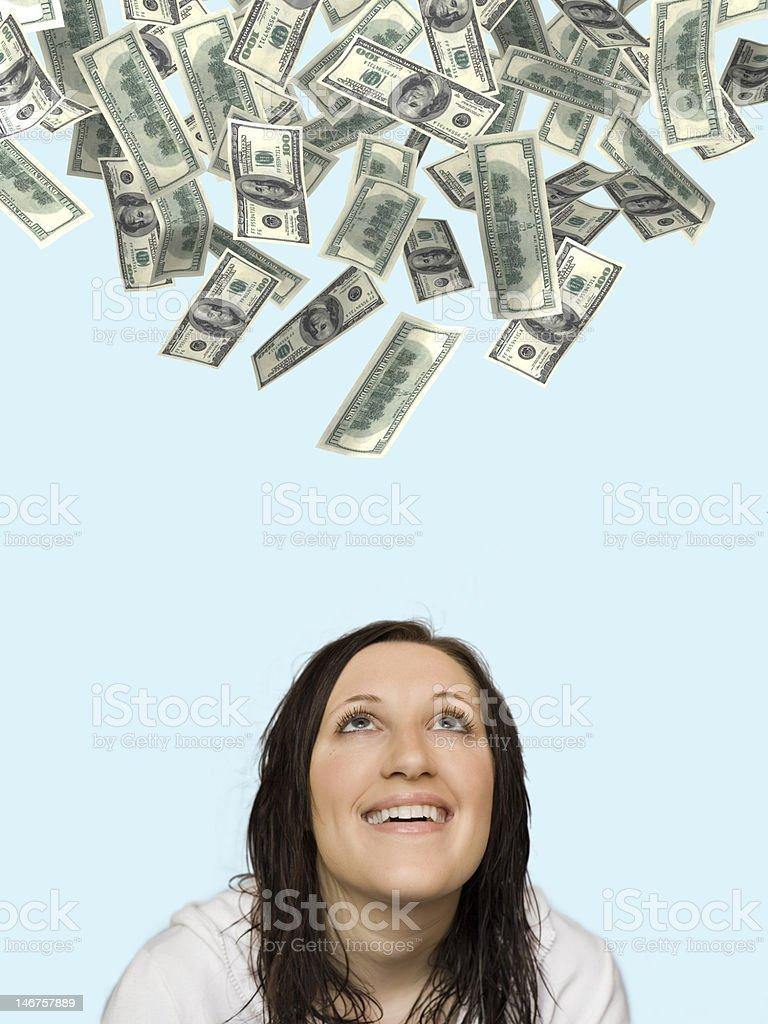 Femme de pluie d'argent en anticipant photo libre de droits