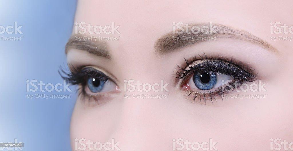 Femme les yeux photo libre de droits