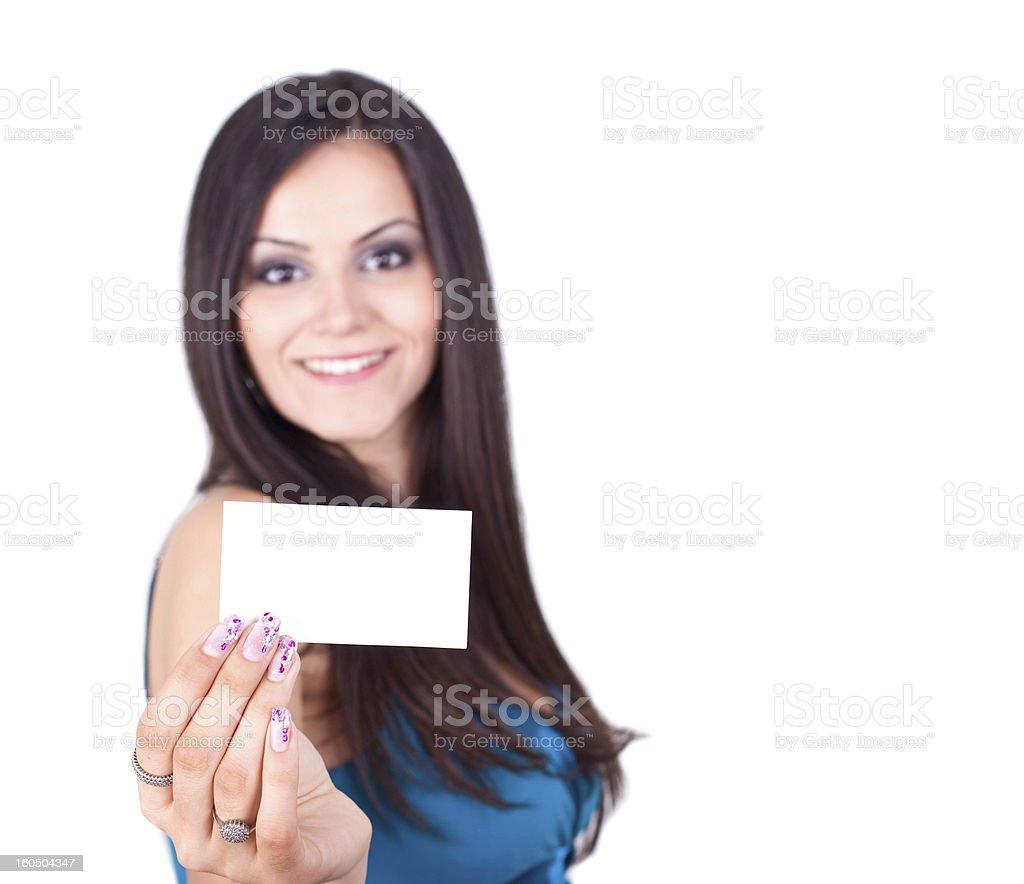 Mujer sosteniendo tarjetas en blanco foto de stock libre de derechos