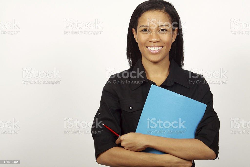 Femme tenant le dossier photo libre de droits