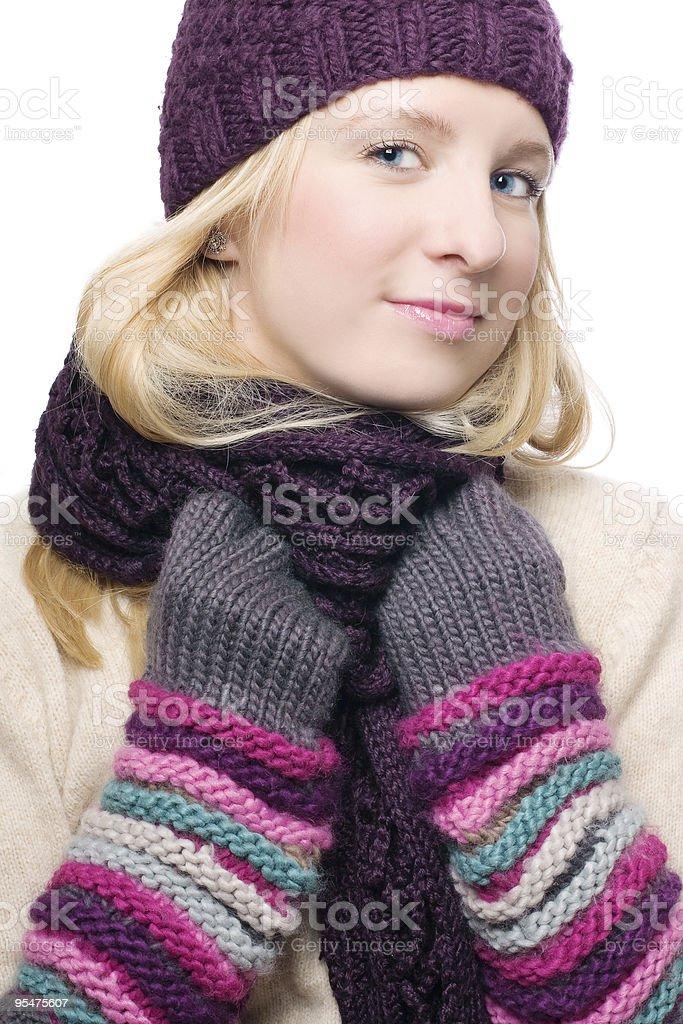 Mujer con un sombrero y guantes cálido foto de stock libre de derechos