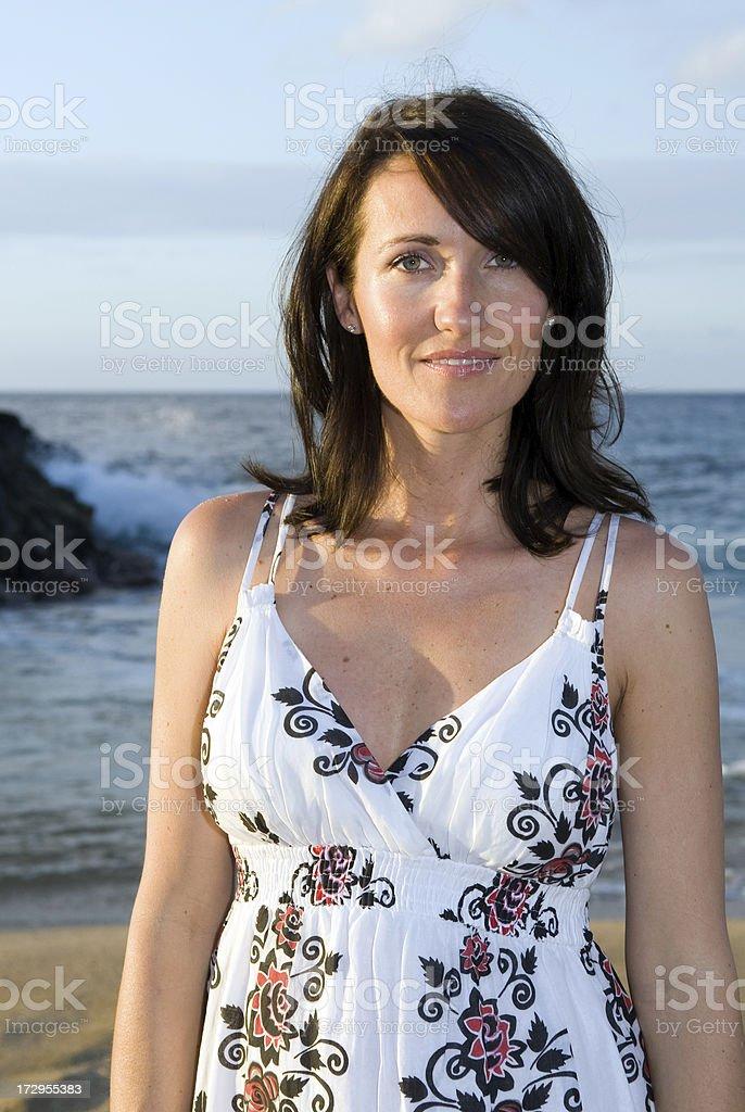 Kobieta na plaży zbiór zdjęć royalty-free