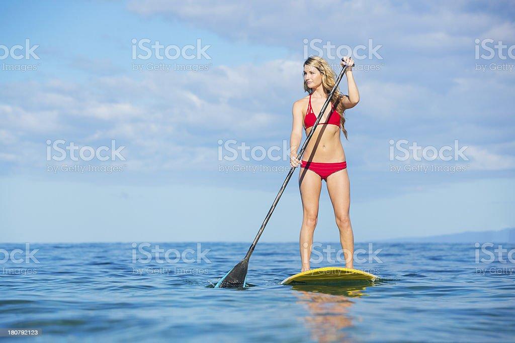 Картинки по запросу фото женщины доски с вёслами на море