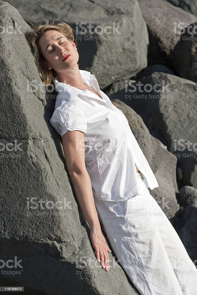 Mulher na praia foto de stock royalty-free