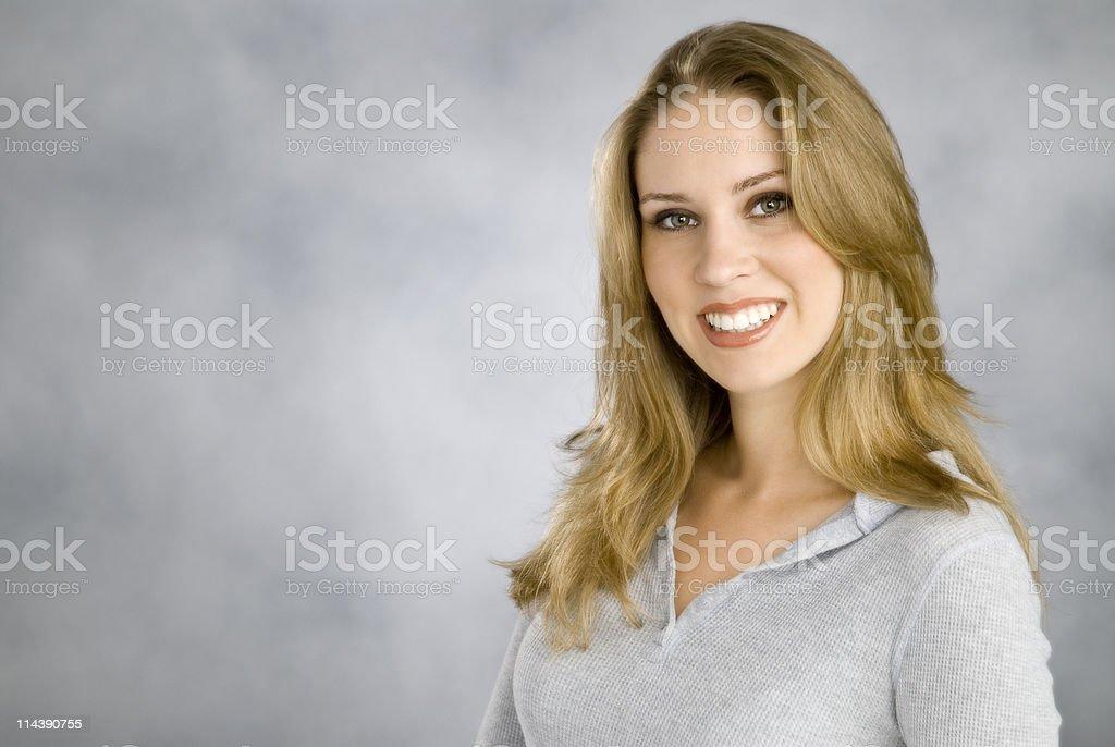 Mujer sonriendo foto de stock libre de derechos
