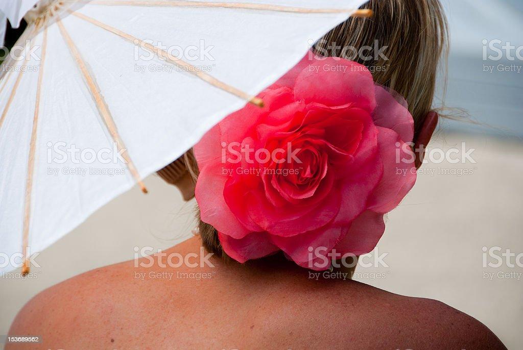 Mujer con sombrilla foto de stock libre de derechos