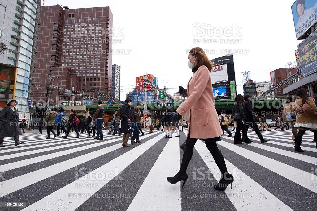 여자 겹쳐지며 거리 걷기 신주쿠 royalty-free 스톡 사진