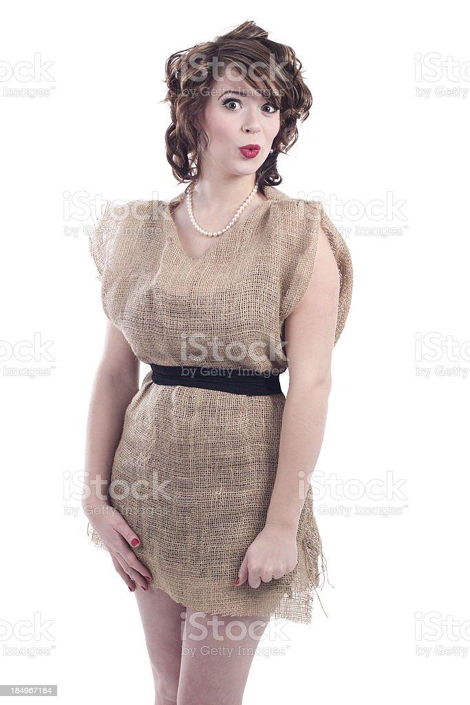 Frau mit Sackleinwand Kartoffel-Sack Kleid – Foto