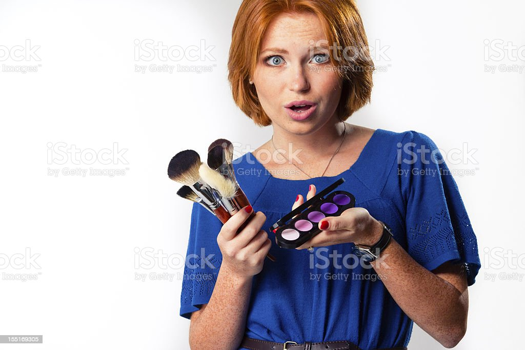 Frau mit Pinsel für Make-up Lizenzfreies stock-foto