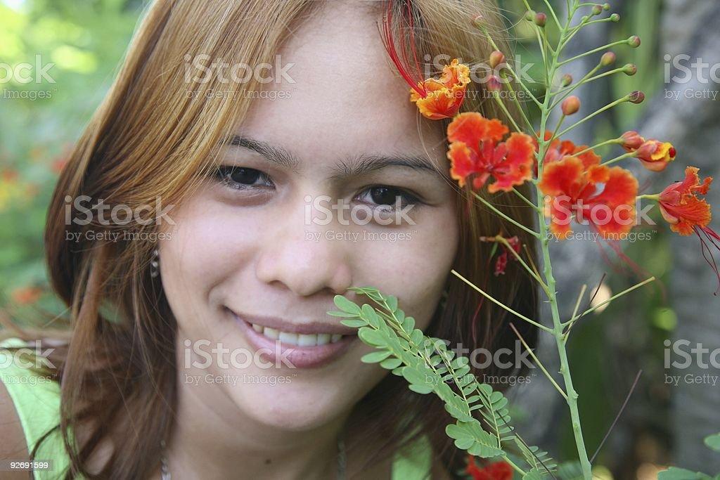 Frau mit Blume Lizenzfreies stock-foto