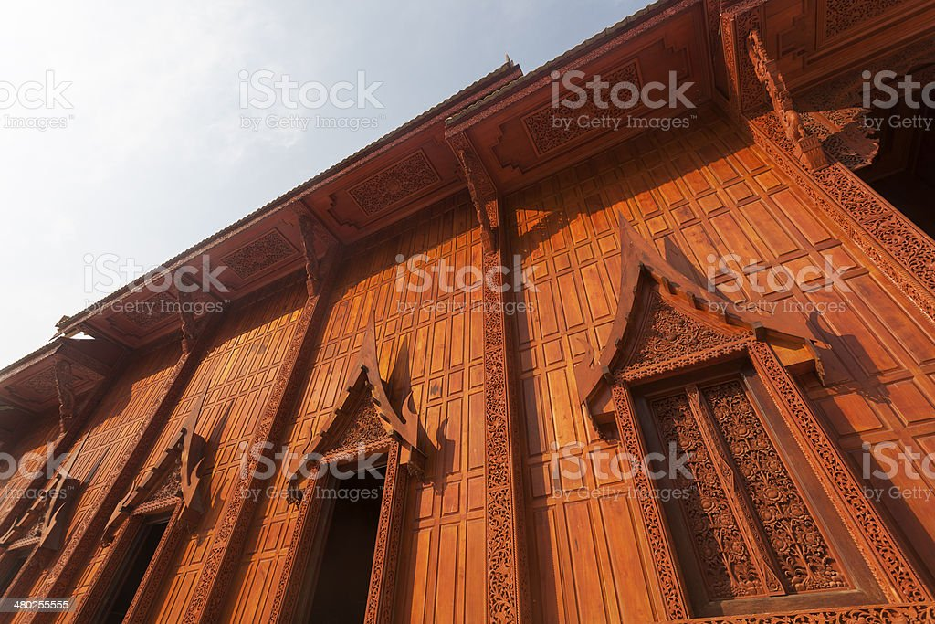 Wood buddhistische Tempel Lizenzfreies stock-foto