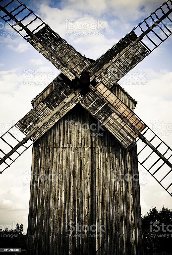 Hölzerne Windmühle Lizenzfreies stock-foto