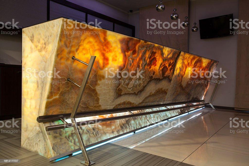 Woodland hotel - onyx bar countertop stock photo