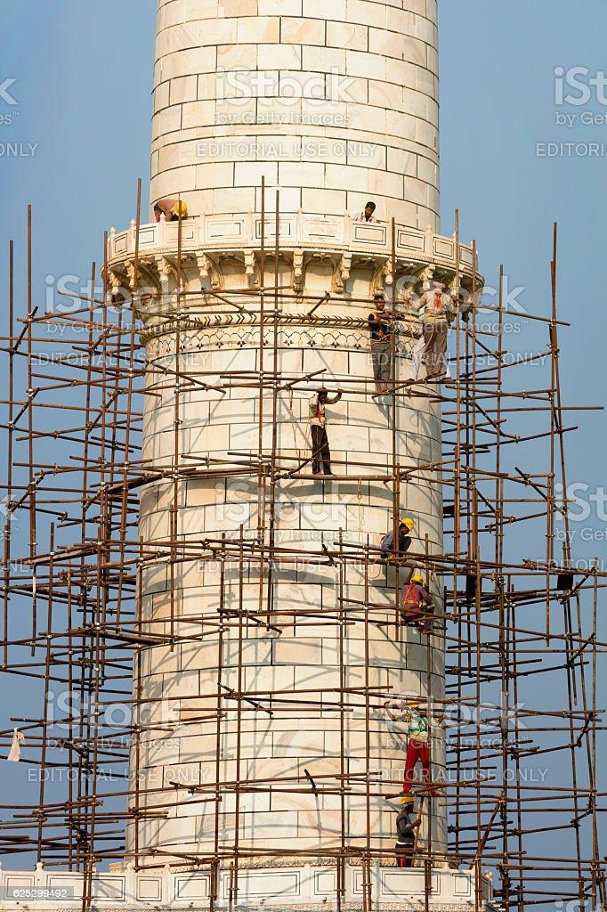 Workers on Minaret of Taj Mahal, Agra, Rajasthan, India, Asia stock photo