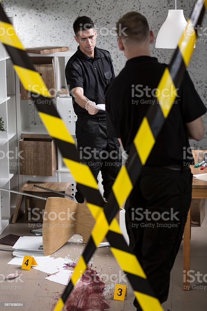 Working together to find a killer stock photo