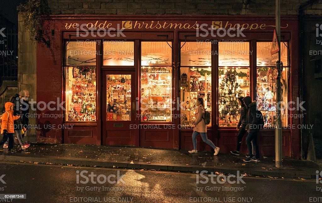 Ye Olde Christmas Shoppe gift shop in Edinburgh stock photo