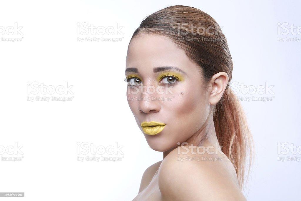 Косметика в образе женщины