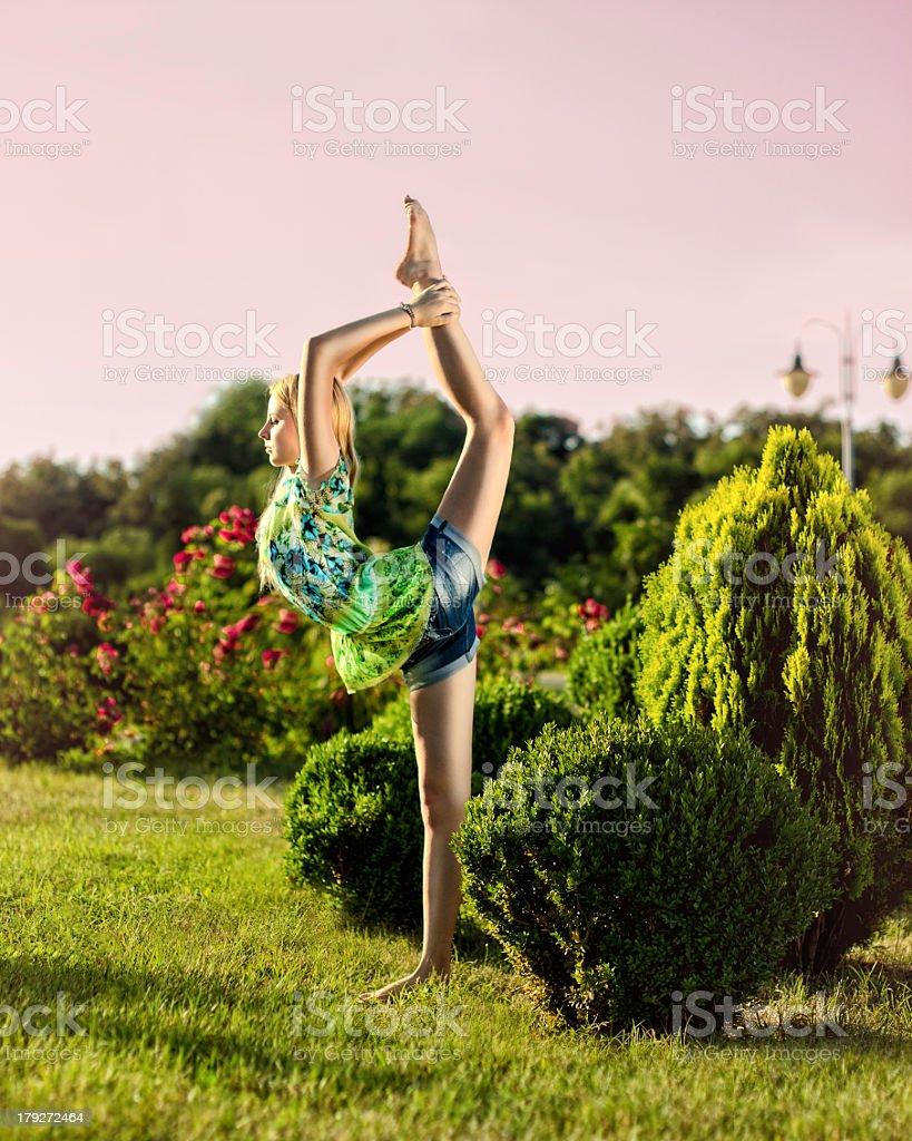 Exercice de Yoga (Nataradzhasana) photo libre de droits