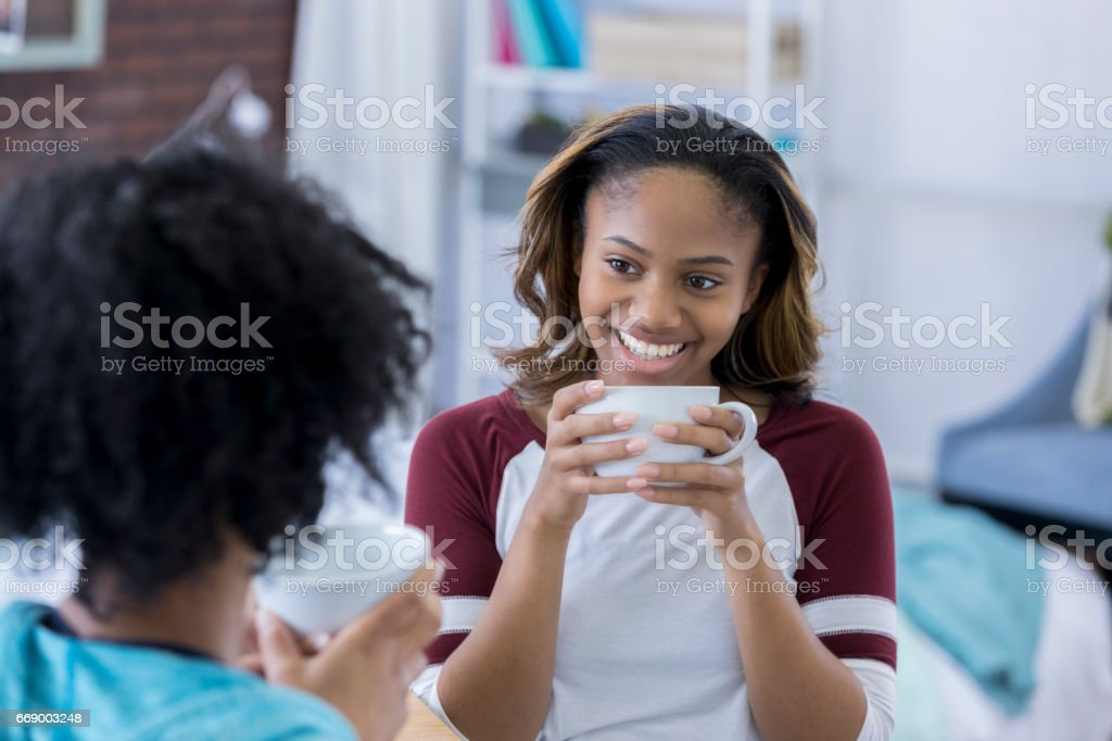 Young College Girl Drinks Coffee In Dorm Room Foto Royalty Free Part 52