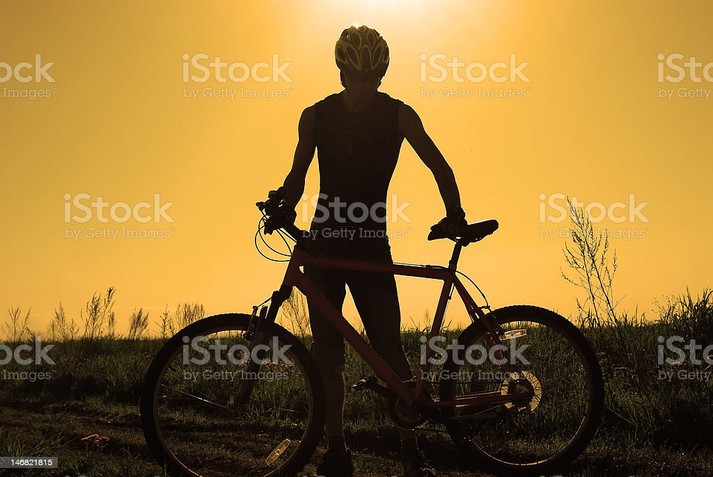 Junge Radfahrer silhouette Lizenzfreies stock-foto