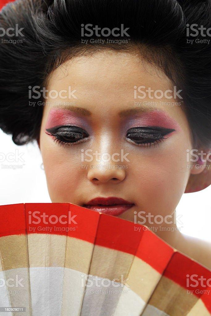 Junge Frau mit einem fan japanischen Lizenzfreies stock-foto