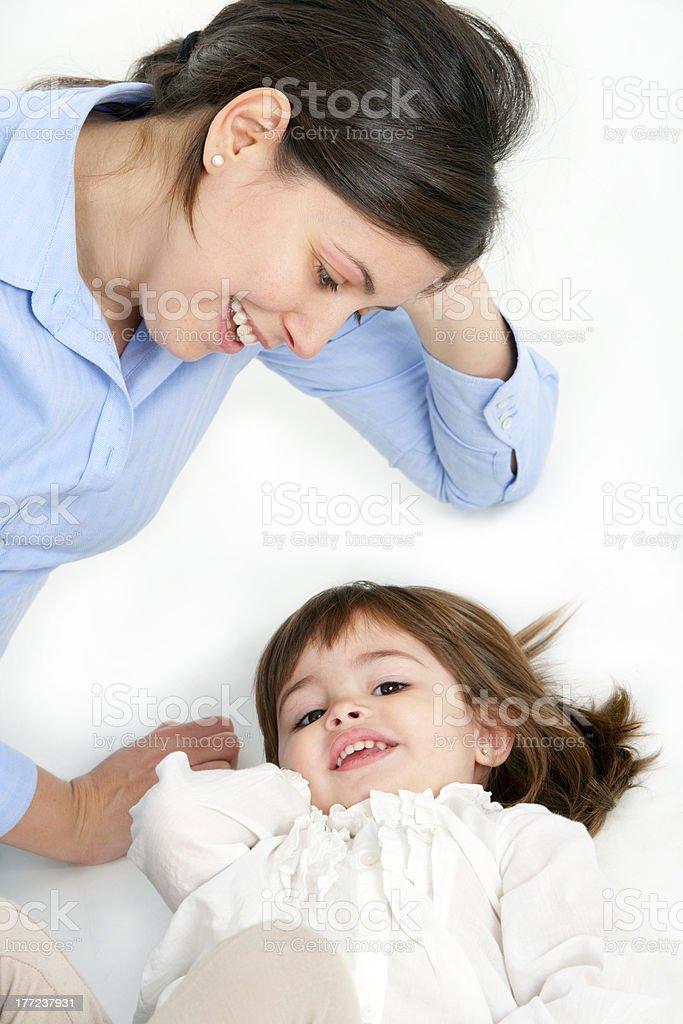 Jeune mère et sa fille photo libre de droits