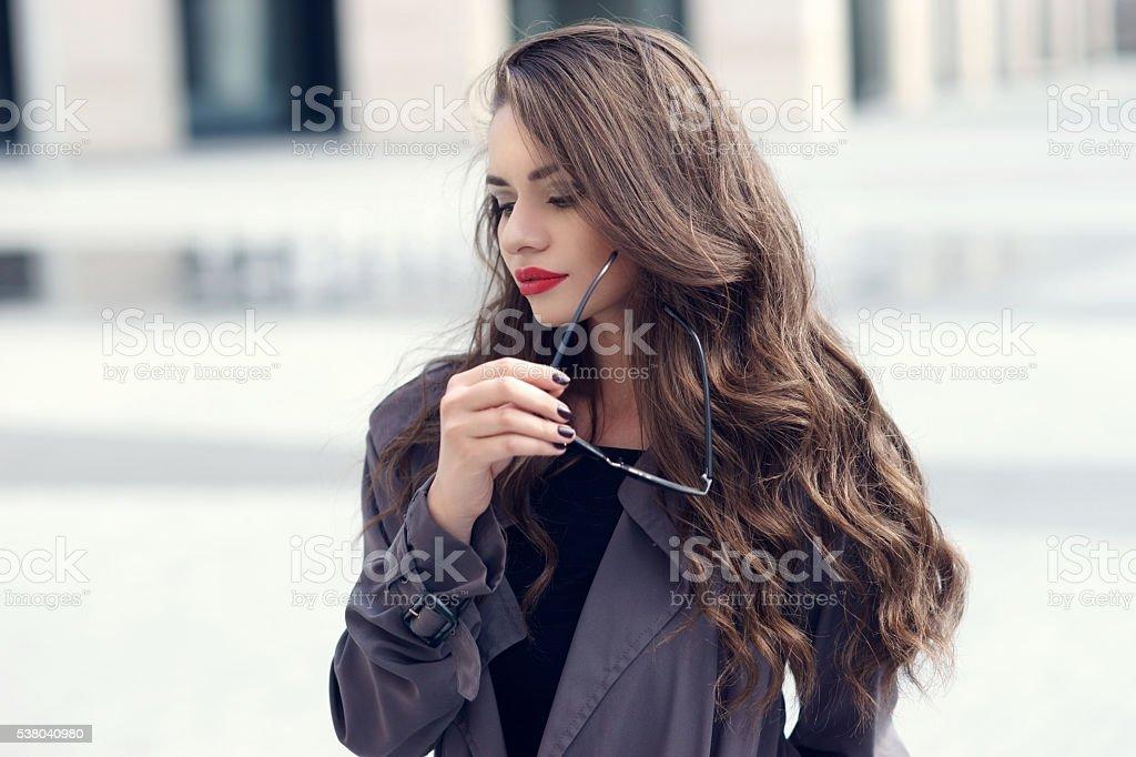 Молодые икрасивые девушки фото